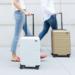 【海外最新情報】創業から三年で急成長を遂げた 充電ができるAWAYスーツケース